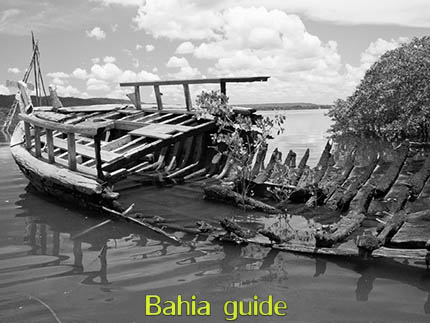 antique Saveiro sailship wreck while visiting the Recôncavo Baiano in Brazil with Ivan Salvador da Bahia & official tour guide