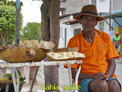 Local micro-economy selling jac-fruit while visiting the Recôncavo Baiano in Brazil with Ivan Salvador da Bahia & official tour guide