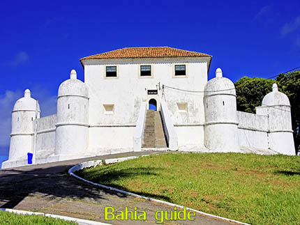 Point of views in Salvador while visiting Bahia with Ivan Salvador da Bahia & official tour guide during the Salvador, 500 years in 1 day tour, Monte Serrat fortress