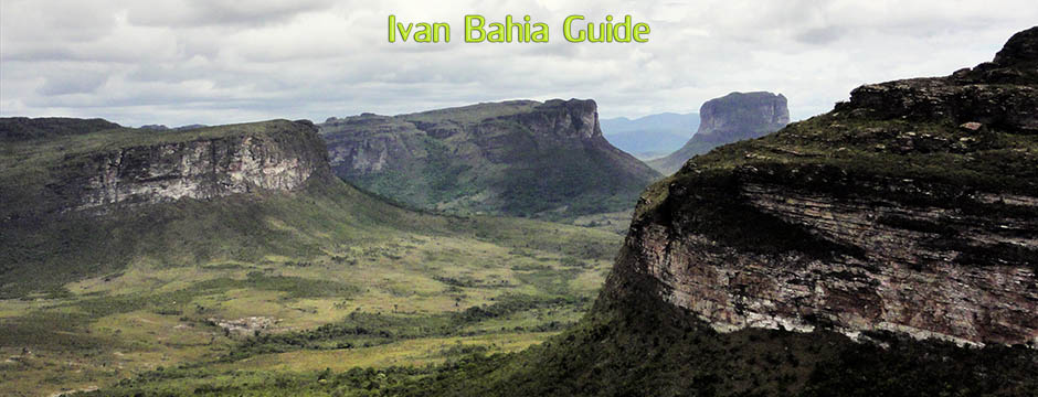 Ivan Salvador & Bahia tour-guide / reis-gids - walking in Chapada Diamantina - mount Pai Inaçio / Brazil
