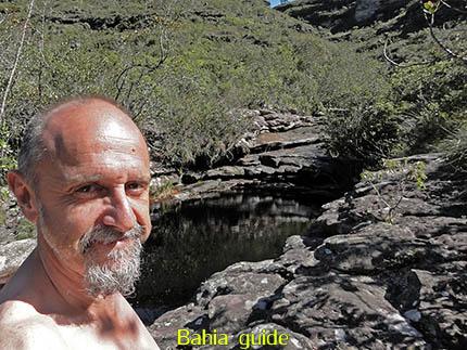een frisse duik, fotos Chapada Diamantina nationaal park, wandelingen & trekking met vlaamse reis-gids Ivan (die al 10 jaar in Bahia woont) voor uw rond-reis met begeleiding in het Nederlands in Brazilië